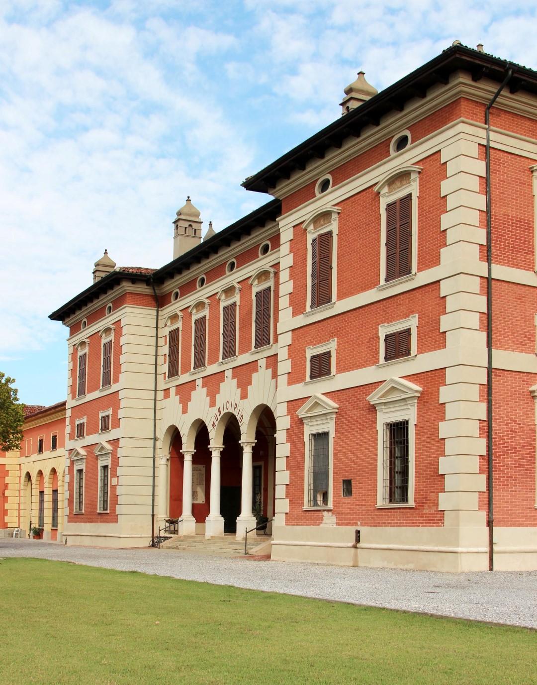 Restauro facciate Villa Ugolani Dati - Cella Dati (CR)