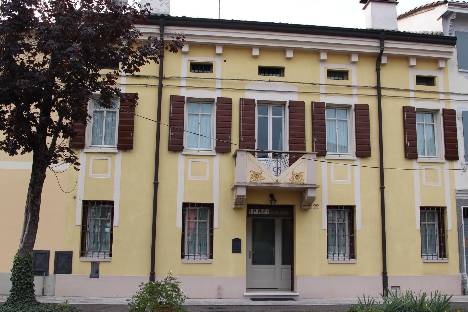 Ristrutturazione di edificio Liberty- Boretto (RE)